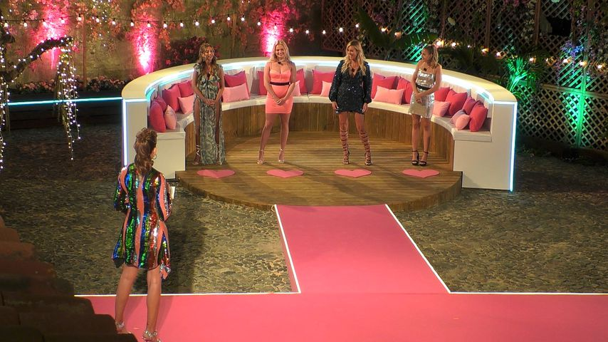 """""""Love Island""""-Cast darf sich Start-Outfit nicht aussuchen!"""