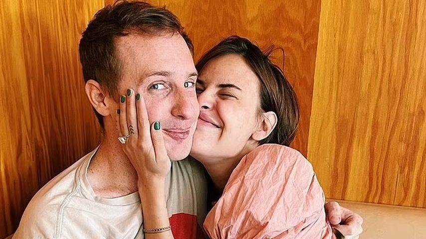 Tallulah Willis (r.) mit ihrem Verlobten Dillon Buss
