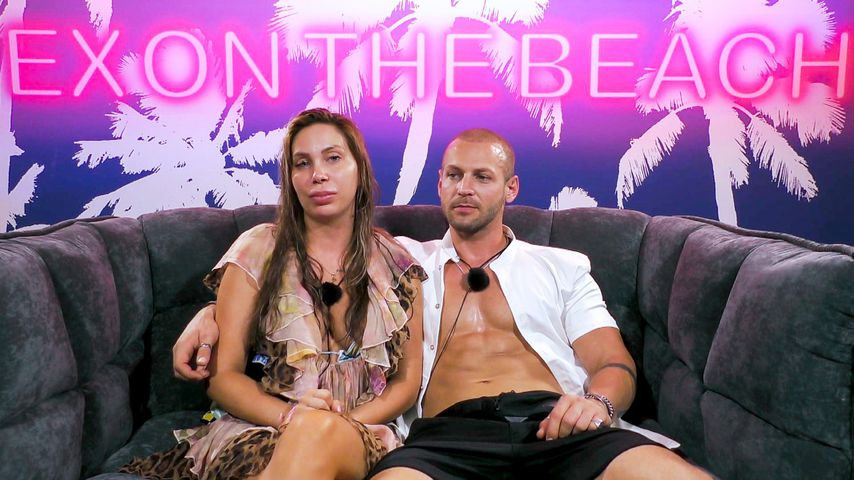 "Tara Tabitha und Chris Grey bei ""Ex on the Beach"""