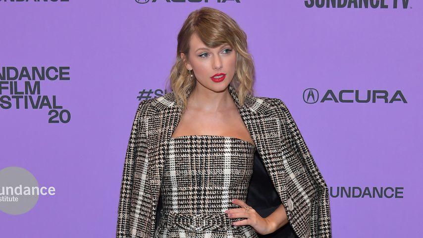 Bei Doku-Premiere: Taylor Swift in lässigem Tweed-Outfit!