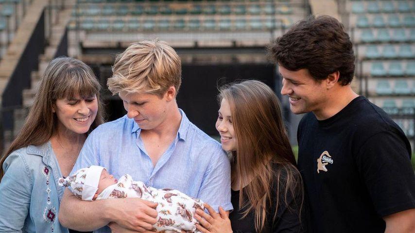 Terri, Robert, Grace und Bindi Irwin mit Chandler Powell