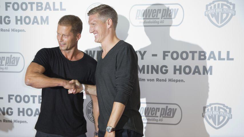 Schauspieler Til Schweiger und Fußballer Bastian Schweinsteiger im August 2013