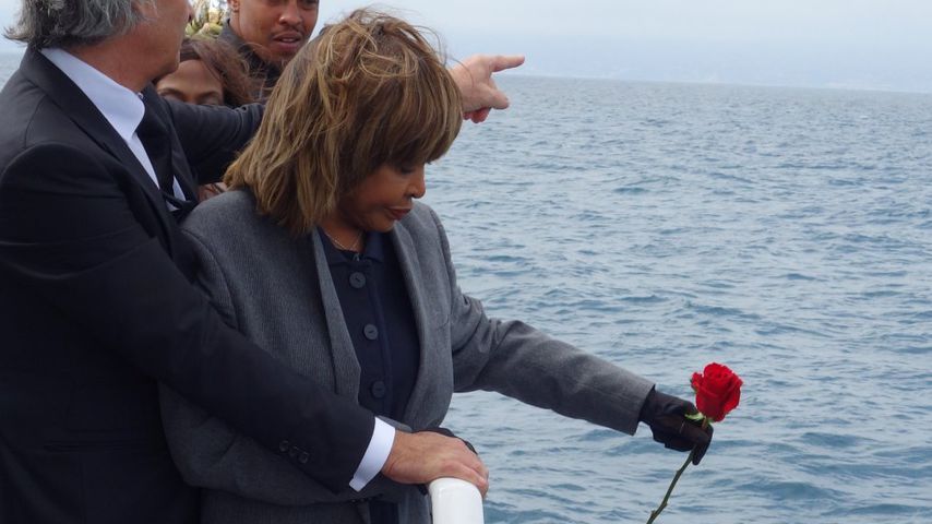 Trauriger Abschied: Tina Turner verstreut Asche ihres Sohnes