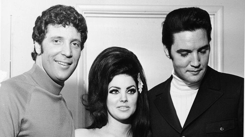 Tom Jones, Priscilla und Elvis Presley im Juli 1971 in Las Vegas