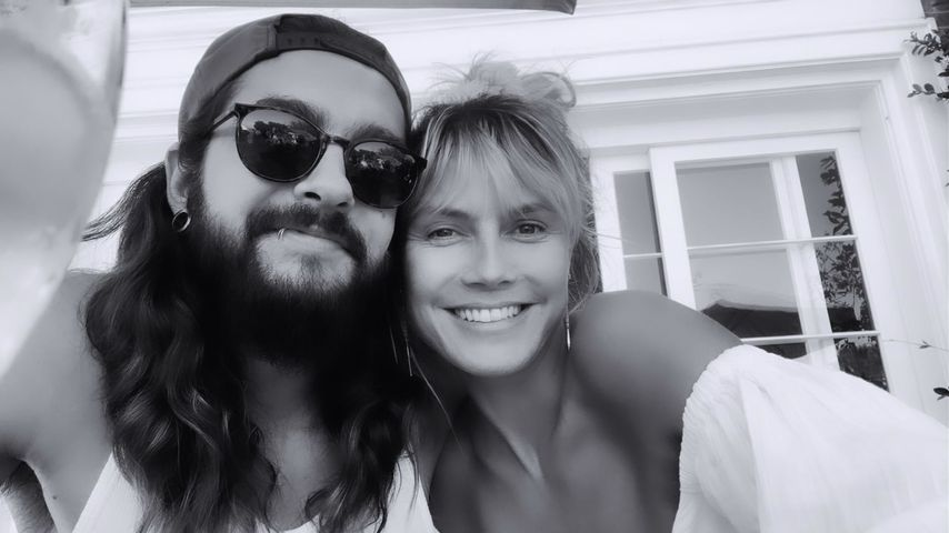 Tom Kaulitz und Heidi Klum lächeln im August 2020
