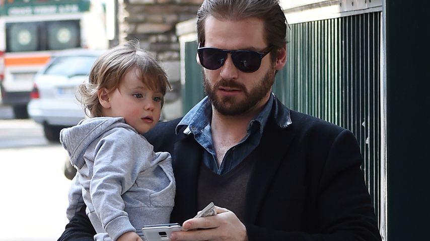 Sole & Papa Tomaso besuchen das Hunziker-Baby
