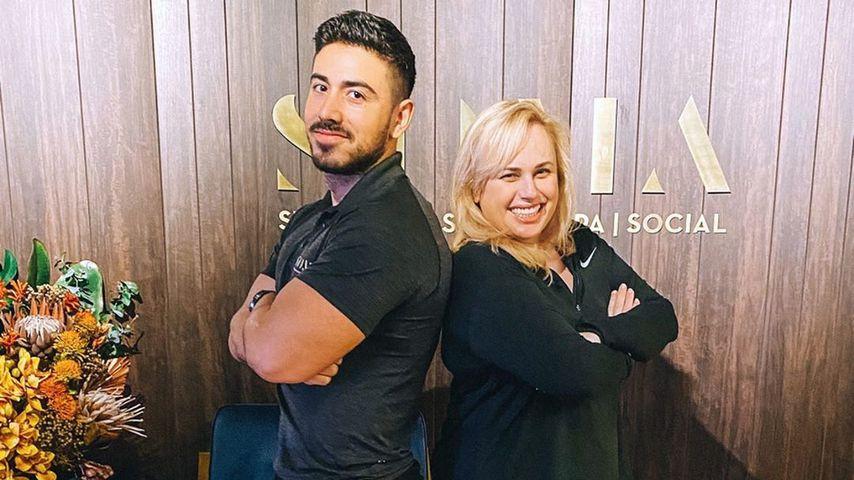 Jono Castano Acero und Rebel Wilson im Januar 2020