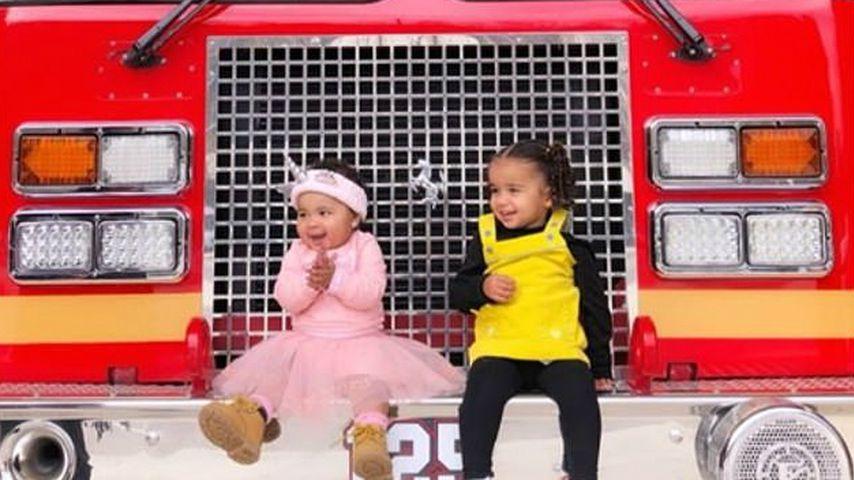 Süß: True & Dream spielen Feuerwehr in echtem Einsatzwagen!