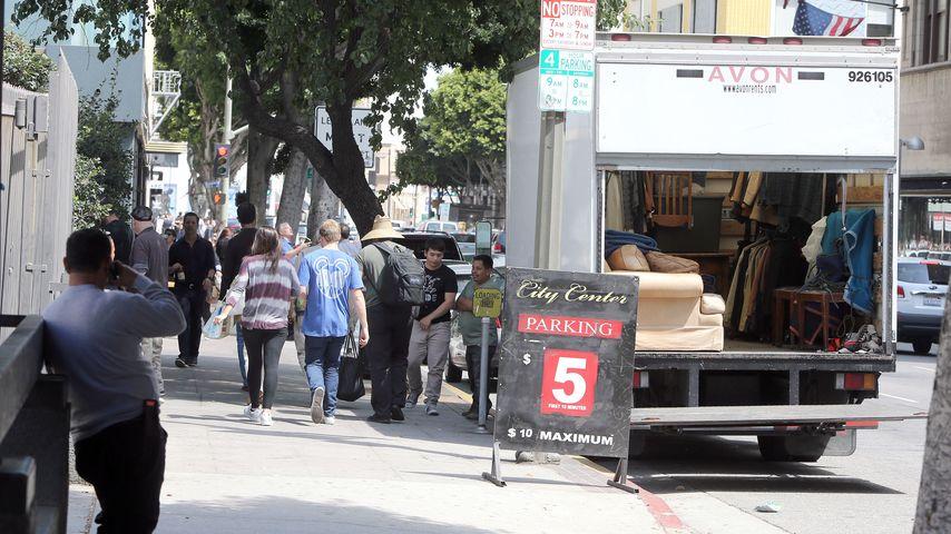 Umzugswagen vor Amber Heards und Johnny Depps Wohnung