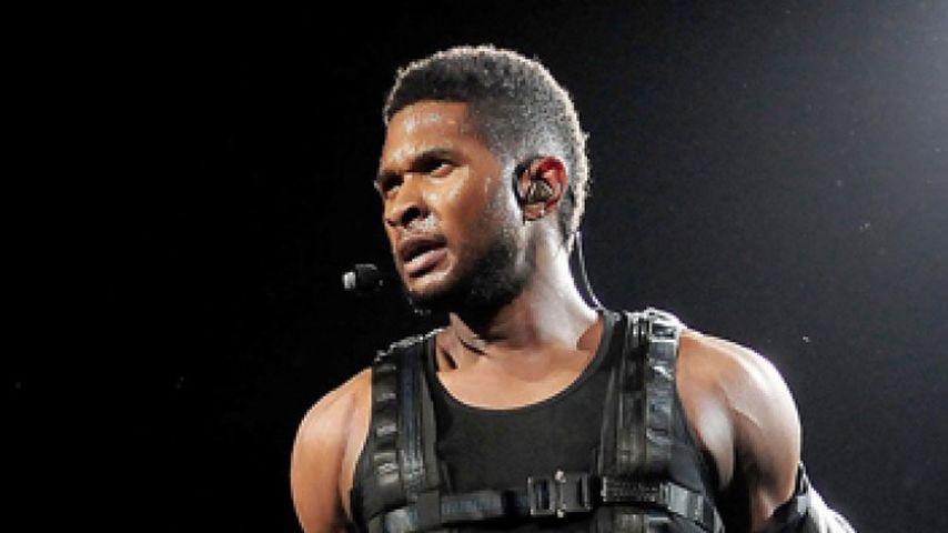 Ushers Reißverschluss-Panne bei US-Konzert