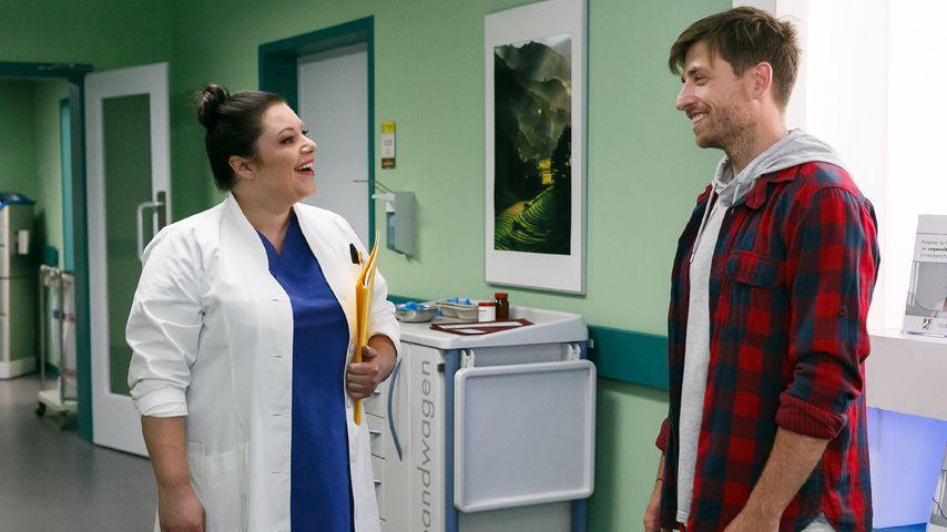 Vanessa (Julia Augustin) und Yannick (Dominik Flade) in einer Szene bei AWZ