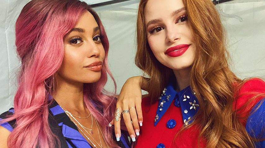 Vanessa Morgan und Madelaine Petsch im September 2020