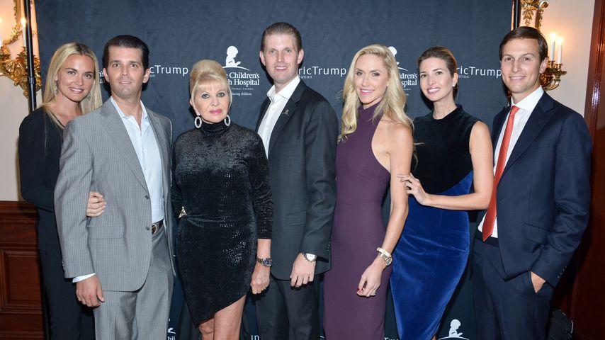 Vanessa Trump, Donald Trump Jr., Ivana Trump, Eric Trump, Lara Trump, Ivanka Trump und Jared Kushner