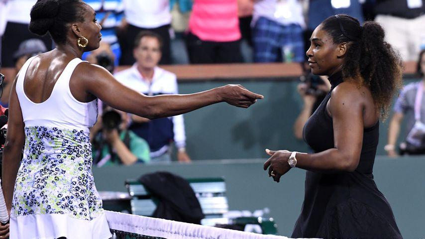 Venus und Serena Williams bei einem Tennis-Match im März 2018
