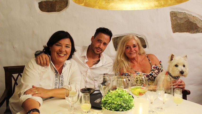"""Vera Int-Veen mit Dennis und dessen Mutter Carmen von """"Schwiegertochter gesucht"""""""