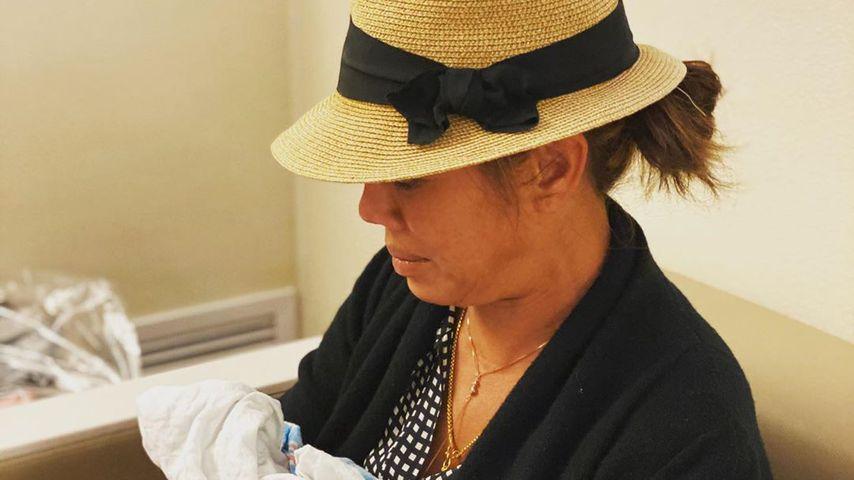 Vilailuck Teigen mit ihrem Enkel Jack