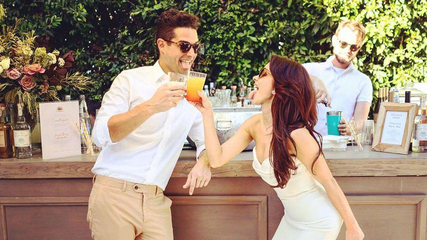 Wells Adams und Sarah Hyland bei ihrer Verlobungsparty, Oktober 2019