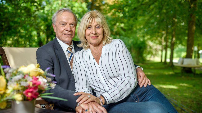 """Werner (Dirk Galuba) und Charlotte Saalfeld (Mona Seefried) bei """"Sturm der Liebe"""""""