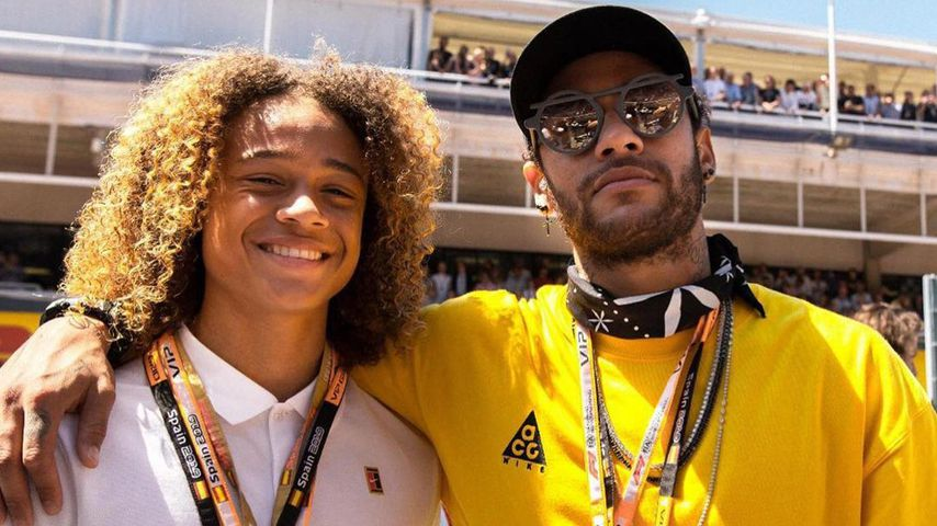 Xavi Simons mit Fußballprofi Neymar Jr.