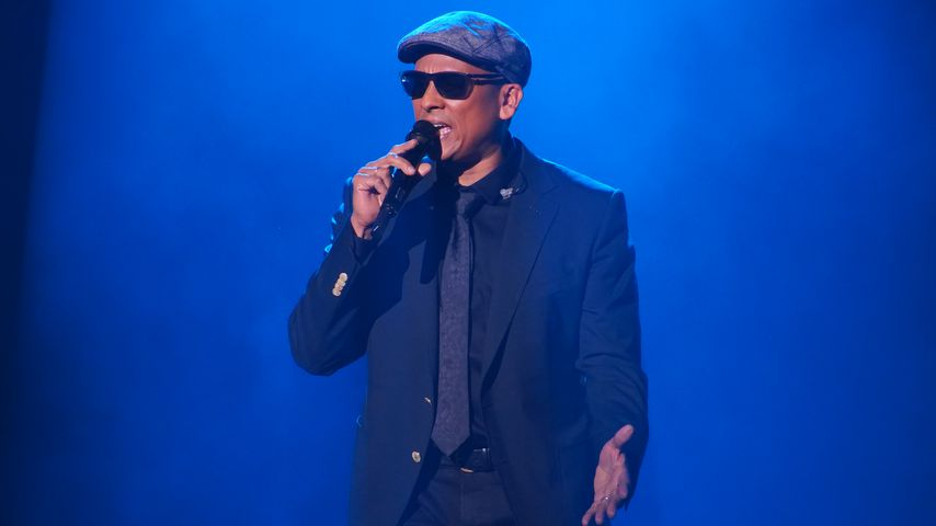 """Xavier Naidoo performt seinen Song """"Ich danke allen Menschen"""""""