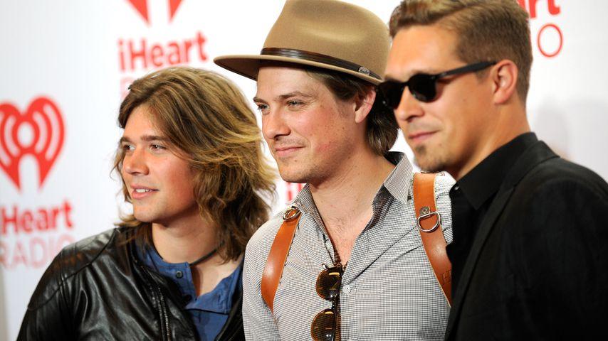 Zac, Taylor und Isaac Hanson auf dem iHeart Radio Music Festival 2013