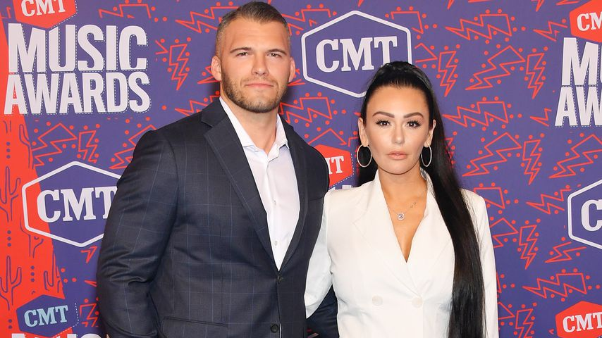 Zack Clayton Carpinello und Jennifer Farley bei den CMT Music Awards 2019