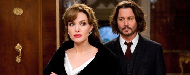 """Angelina Jolie und Johnny Depp im Film """"The Tourist"""" (2010)"""