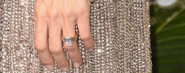 Angelina Jolies Verlobungsring