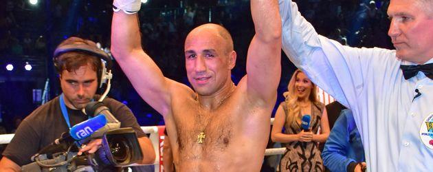 Arthur Abraham nach seinem Sieg bei der WBA Championship Box Night
