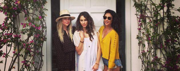 Ashley Benson, Troian Bellisario und Shay Mitchell in Capri 2016