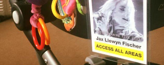 Backstage-Pass von Jax Llewyn Fischer