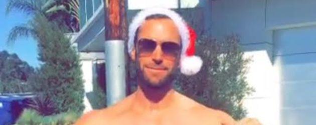 Bastian Yotta im Weihnachtsoutfit