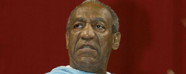 Bill Cosby spricht zur Abschlussklasse 2003 der Temple Universität