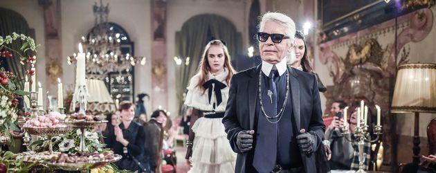 Cara Delevingne und Karl Lagerfeld