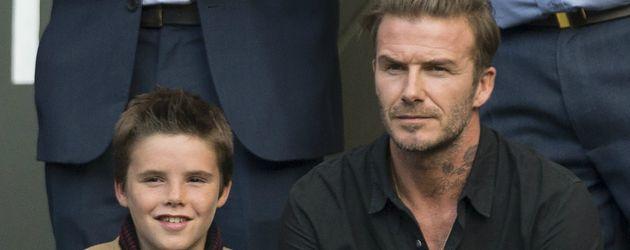 Cruz Beckham und sein Vater David beim Grand Slam Turnier in Wimbledon  2016