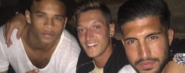 Die Fußball-Stars Leroy Sané, Mesut Özil und Emre Can