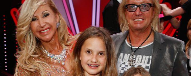 Carmen und Robert Geiss mit ihren Töchtern Davina Shakira und Shania Tyra