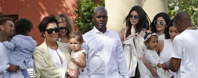 Die Kardashian-Jenner-Familie mit Corey Gamble und Tyga