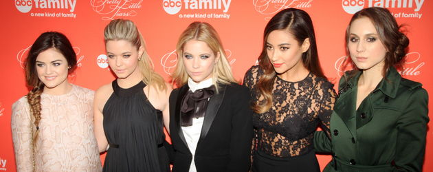 Shay Mitchell, Ashley Benson, Lucy Hale, Troian Bellisario und Sasha Pieterse