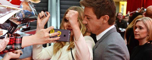 Elizabeth Olsen und Jeremy Renner