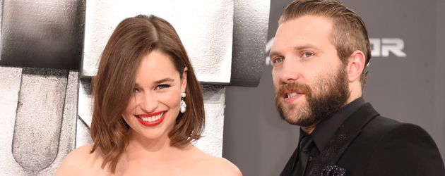 Emilia Clarke und Jai Courtney