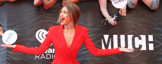 Gigi Hadid auf dem Red Carpet in Toronto