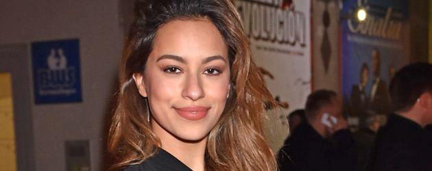 Gizem Emre, Schauspielerin