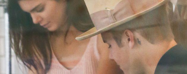 Justin Bieber, Kendall Jenner und Hailey Baldwin