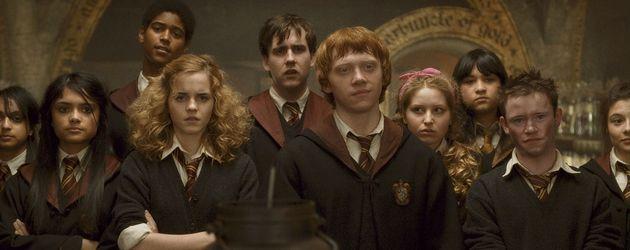 "Devon Murray mit dem ""Harry Potter""-Cast"