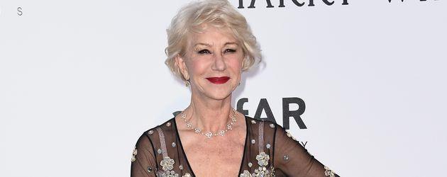 Helen Mirren trägt Muster- und Materialmix