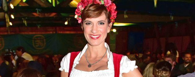 """Isabell Horn beim """"AEDT-Oktoberfest"""" in Berlin"""
