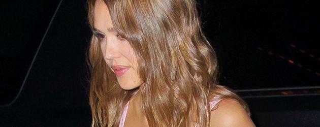 Jessica Alba auf dem Weg zu einer Party