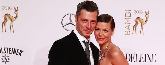 Jessica Schwarz und Markus Selikovsky bei der Bambi-Verleihung 2016