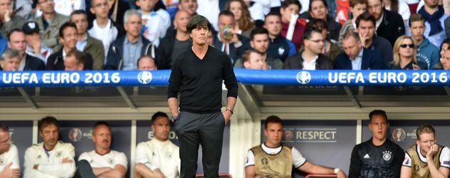 Joachim Löw in Lille beim Achtelfinalspiel der EM 2016: Deutschland - Slowakai
